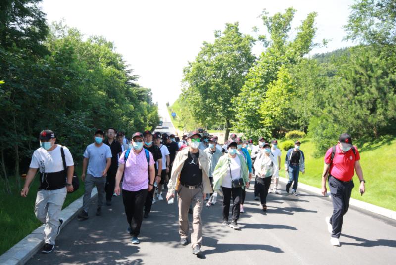 前往天福山起义纪念馆