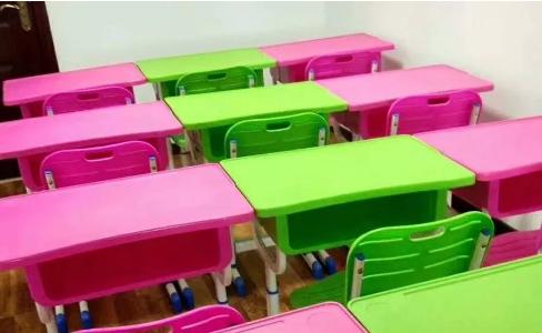 环保课桌椅