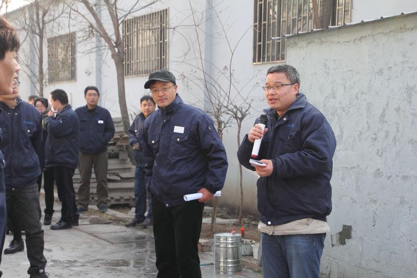 安全员对工务危化品仓库的消防做点评