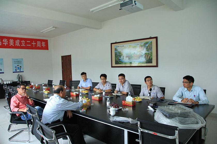 公司副董事长、台湾奇美研发总处薛东弼副总经理做技术指导